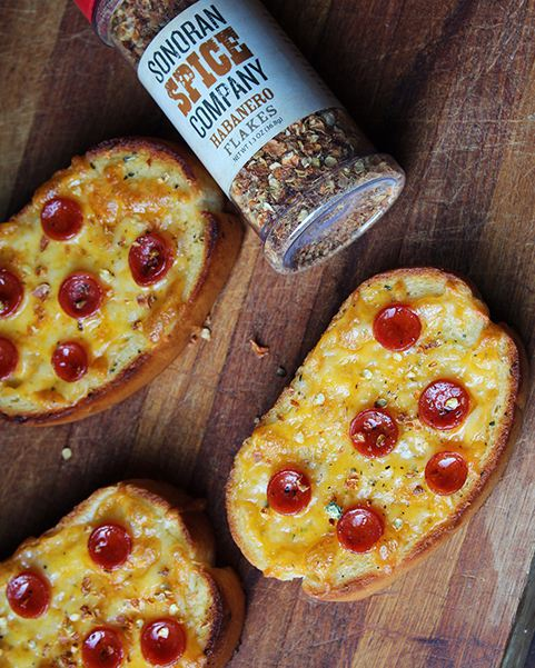 Texas Toast Pizzas With Sonoran Spice Habanero Flakes
